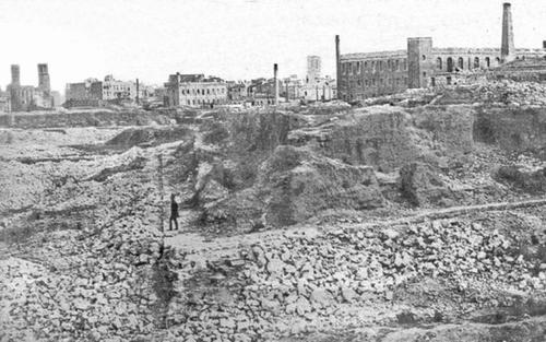 Primeros derribos de las murallas de Barcelona, en 1855.
