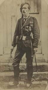 Francesc Savalls, durant la campanya, calçant espardenyes